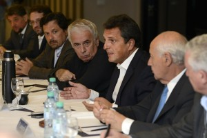 Massa y De la Sota renovaron su sociedad política y recibieron informe crítico de la economía