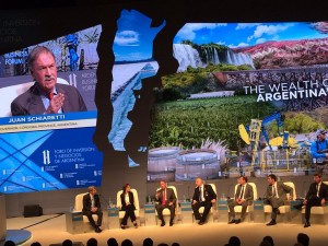 """En el """"Mini Davos"""", Schiaretti remarcó que """"Córdoba siempre hace la mejor propuesta"""""""