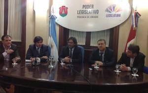 Anuncian la construcción de una cárcel federal en la ciudad de Oliva