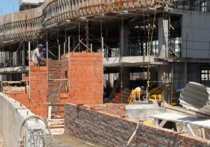 La construcción bajó 3,7% en agosto, según datos del Indec