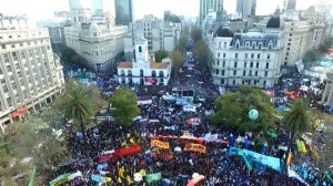 Marcha Federal culminó con la advertencia al Gobierno de ir al paro general, si no hay cambios