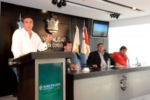 """""""En cinco años, Mestre multiplicará por cinco la deuda pública municipal"""""""