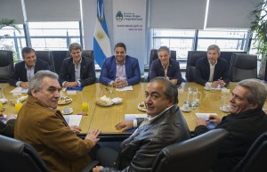 Triunvirato cegetista negocia un bono y aguinaldo sin Ganancias