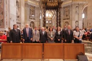 gobernador-particio-de-una-misa-en-italia1