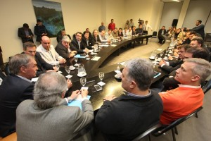 """Con acuerdo """"brocheriano"""", Schiaretti y Mestre firman la paz por la disputa de fondos"""