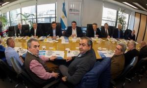 Al rechazar bono en cuotas, Daer sostuvo que la Argentina está en emergencia social