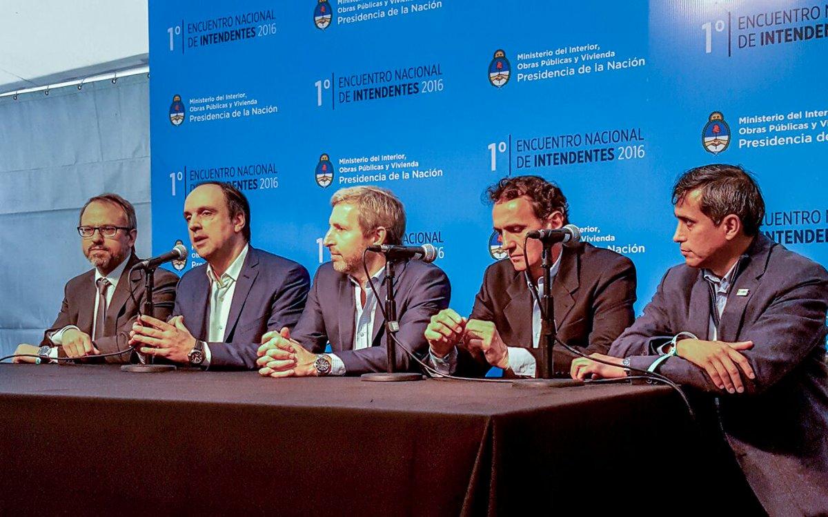 corral-frigerio-conferencia-de-prensa-encuentro-intendentes