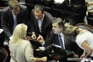 El oficialismo en Diputados apura el paso para tratar la reforma electoral