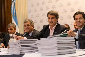 Cambiemos busca un acuerdo con la oposición por el presupuesto 2017
