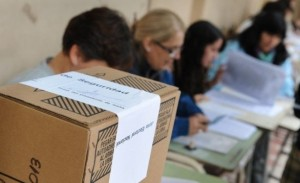 urna-mesa-de-votacion-paso2