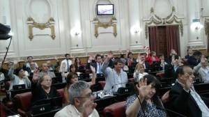 Con los votos del oficialismo, el Presupuesto 2017 avanza hacia su sanción definitiva