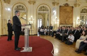 Peña replicó las críticas de ajuste presupuestario en Ciencia y Conicet