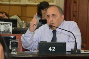 """Por Ganancias, radical advirtió que el """"principal opositor"""" de Schiaretti es De la Sota"""