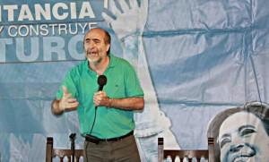 """Vicente arremetió contra Macri y Schiaretti, al advertir """"negocios"""" con el Estado cordobés"""