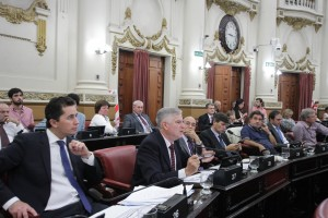 """Obra Pública: Gutiérrez salió al cruce de las acusaciones del juecista Quinteros por reforma """"anti-transparencia"""""""