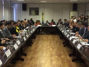 """Ante el """"proteccionismo"""" de EEUU, Argentina y Brasil buscan acelerar integración para abrir al Mercosur a otros mercados"""