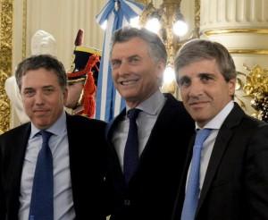 """Tras jurar, Dujovne sostuvo que """"Buenos Aires es la que más genera y la que menos recibe"""""""