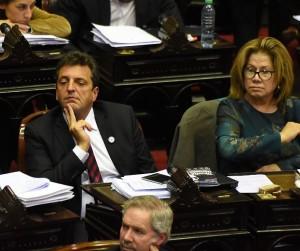 Referente massista advierte que Gobierno querrá cerrar Congreso
