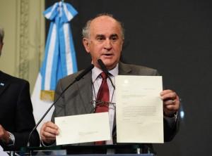 "Audio CFK: Al denunciar ""espionaje político"", Parrilli le apuntó a Macri"