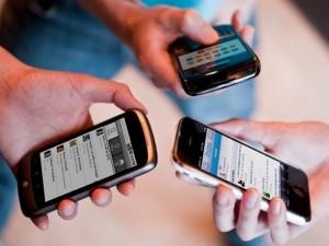 Prometen celulares con cambios de tecnología, mayor cobertura y menores costos