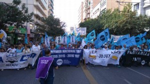 Los vamos a derrotar en la calle o en las urnas», afirmó Monserrat, tras la masiva marcha docente contra el «ajuste» de Macri