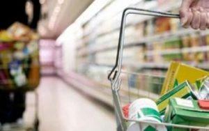 Aseguran que los planes sociales frenan la caída del consumo