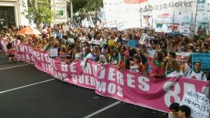 Miles de mujeres marcharon contra la violencia de genero