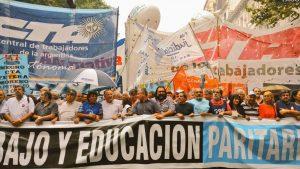 """En una Plaza de Mayo colmada, Micheli acusó a Macri de pensar """"con cabeza de patrón"""""""