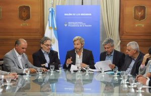 Gobierno activa acuerdo para construir 100 mil viviendas, en año electoral