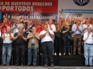 Incidentes: Mal momento para el triunvirato de la CGT por no poner una fecha al paro