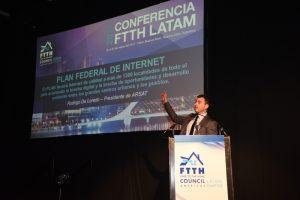 """""""ARSAT alcanzará los 20 mil kilómetros de fibra operativa lista para brindar internet en pocos días"""""""