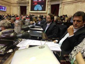 Tras represión a docentes, Massa endurece su posición ante Macri