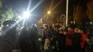 Alicia Kirchner ejerce la represión policial que le critica a Macri