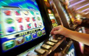 Proyecto radical busca proteger a usuarios y consumidores de juegos de azar