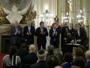 """El paro """"no ayuda"""" y le cuesta al país $15 mil millones, afirmó Macri"""