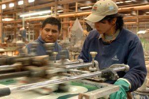 La mitad de los trabajadores gana menos de 10 mil pesos por mes