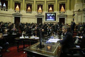 Fuertes cruces entre el kirchnerismo y Marcos Peña en Diputados