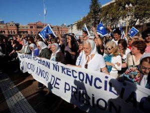 En repudio al fallo 2X1 de la Corte, movilización a Plaza de Mayo y réplicas en todo el país