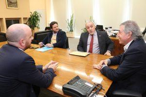 Con la renovación del acuerdo, Provincia garantiza la defensa de presuntos contraventores