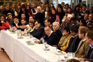 El diálogo y el respeto al estado de derecho como solución al conflicto