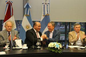 Córdoba y Tucumán solicitarán a Nación aumentar el corte de las naftas para favorecer la produccion de bioetanol