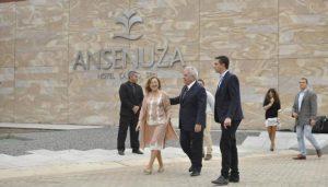 """Dalma archivó la causa y opositores reafirmaron que el hotel Ansenuza es """"un verdadero monumento a la corrupción"""""""