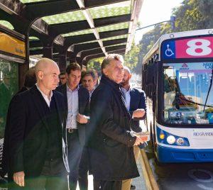 """Metrobus:  """"Es sinónimo de progreso y no de corrupción, como han sido otras obras públicas"""", afirmó Macri"""