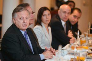 """Aranguren reafirmó que el Gobierno se fijó como meta  """"ordenar y proyectar una política energética sostenible en el tiempo"""""""