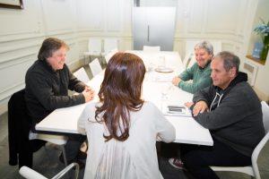 """CFK les pidió a los sindicalistas que en vez de marchar, hagan una """"gran votación"""" en las PASO"""