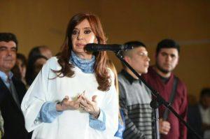 «Lo tienen que esconder y hacer callar la boca», expresó CFK, al apuntar contra Esteban Bullrich