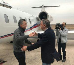 Al cierre de la campaña hubo abrazo, pero después «palo» a Macri