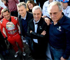 """En el tramo final de la campaña que cerrará en Córdoba, Macri habló de poner """"pasión"""" en el país para crecer"""