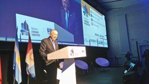 En Coloquio UIC, Acevedo afirmó que es prioritario avanzar en una  «estrategia consensuada»  en materia de competitividad