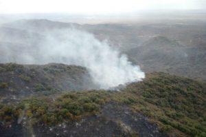 Confirman que está extinguido el incendio del cerro Mogotes y advierten de riesgo extremo en la Provincia